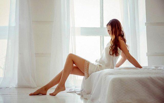 yatakta-kadin